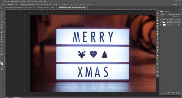 Photoshop usunięcie elementu - ekran startowy, zdjęcie znapisem