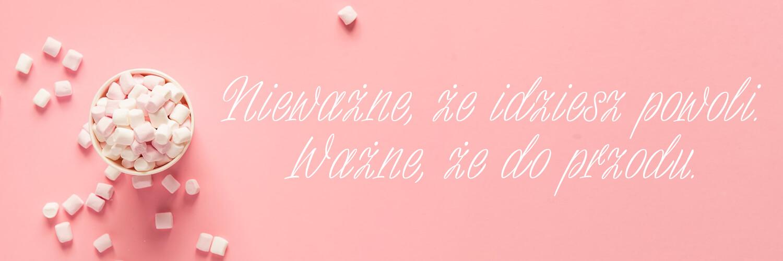 Darmowe fonty odręczne - Bajaderka - napis na różowym tle