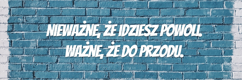 Darmowe fonty odręczne - Bangers - napis na ścianie zcegiel